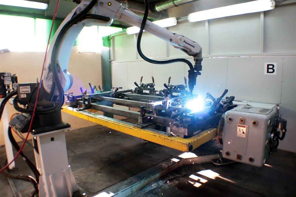 Nietypowy Okaz Nowy robot spawalniczy BV45